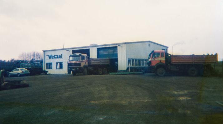 Neue Werkstatthalle mit Büroräumen - errichtet 1994